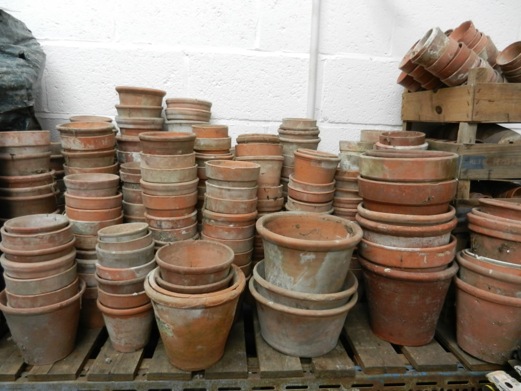 planters pots urns and statues harrogate reclamation. Black Bedroom Furniture Sets. Home Design Ideas